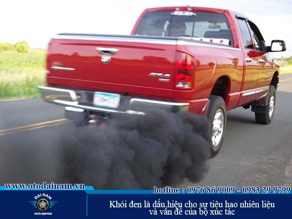 Khói đen là dấu hiệu cho sự tiêu hao nhiên liệu và vấn đề của bộ xúc tác