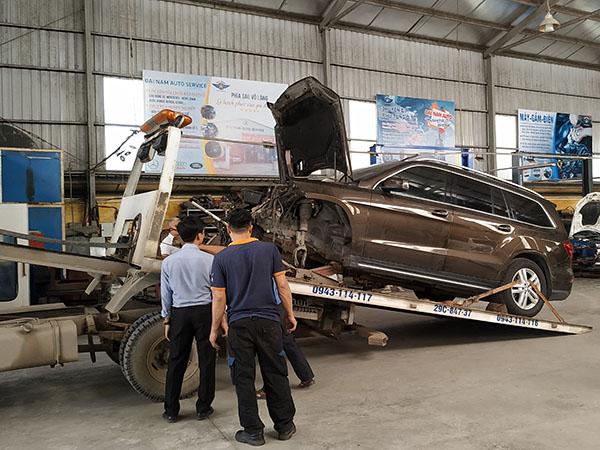 Sửa chữa xe Mercedes - Chuyên gia về khắc phục xe Mercedes tai nạn