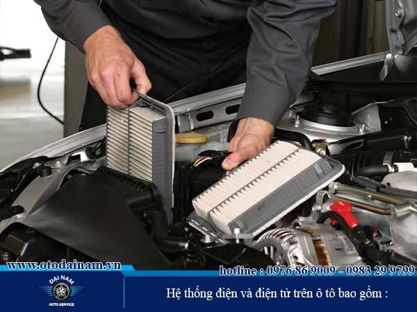 Hệ thống điện và điện tử trên ô tô bao gồm