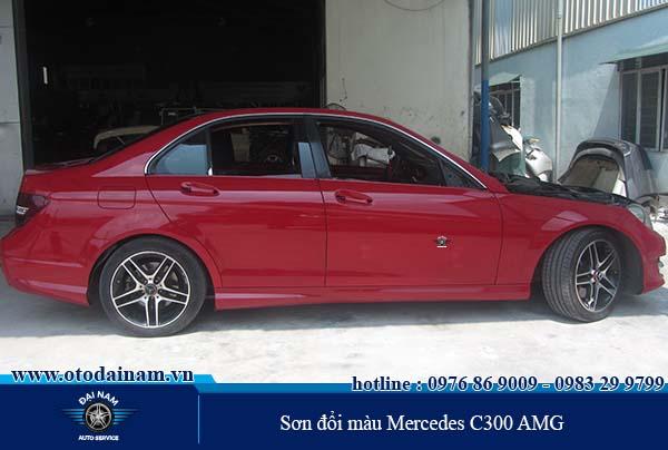 Sơn đổi màu Mercedes C300 AMG