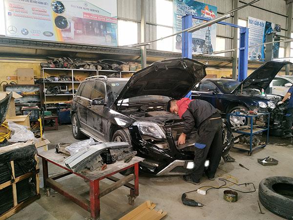 Đại Nam từ khắc phục nhiều xe GLK tại nạn hãy yên tâm về tay nghề của Đại Nam