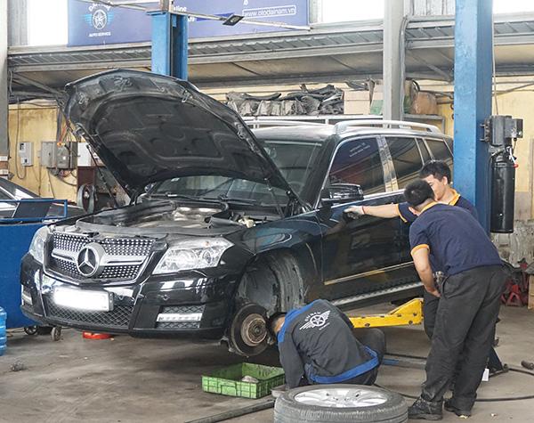 Bảo dưỡng xe Mercedes GLK tới Đại Nam nha