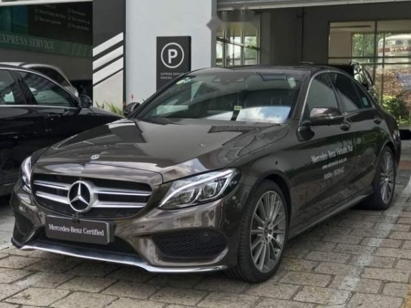 bảo dưỡng xe Mercedes C300 định kỳ nhằm ổn định và kéo dài tuổi thọ