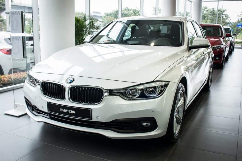 BMW 320i sedan hạng trung cực chất