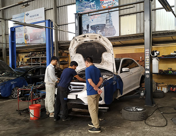 Bảo dưỡng Mercedes E400 AMG