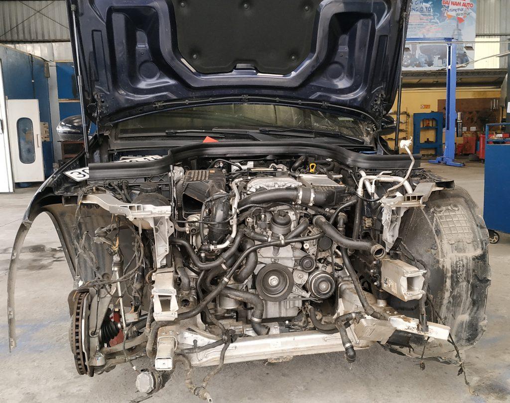 Xử lý xe bị tai nạn - Trường hợp của GLC-Class