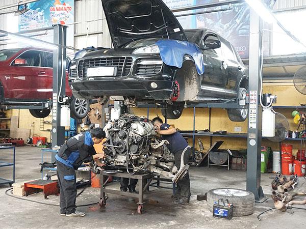 Ô tô bị hao dầu máy thì phải làm sao?