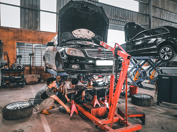 Sửa chữa xe Mercedes tại Đại Nam