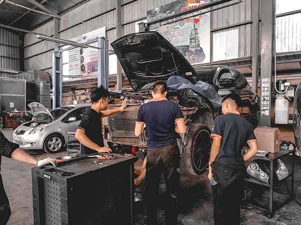 Đại Nam Auto làm bảo dưỡng Porsche Cayenne tốt không?
