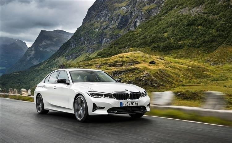 Tổng hợp ý kiến của khách hàng về ưu nhược điểm của BMW 320i 2021