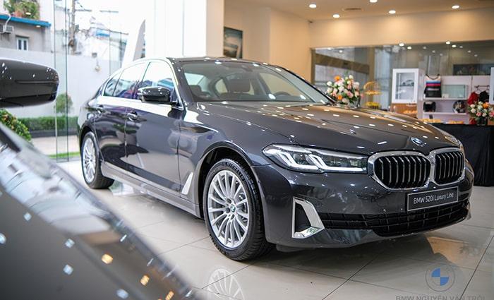 Chỉ chạy 1,500 km, BMW 520i 2021 lỗ 400 triệu... Đúng là xe Đức